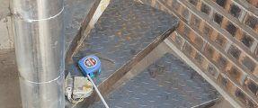 Lắp đặt cầu thang xoáy thép bản gai nhám bền đẹp tại Âu Cơ – Tây Hồ – Hà Nội