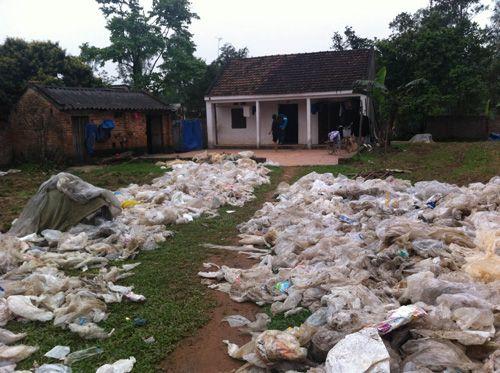 hóa giải nhà gần bãi rác
