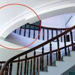 lỗi thiết kế cầu thang bị đụng đầu