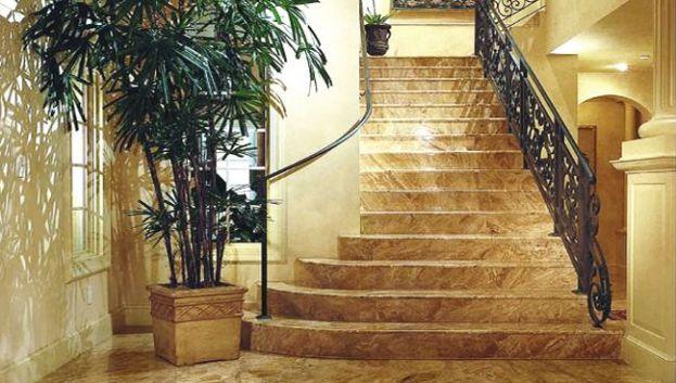 thiết kế cầu thang đá hoa cương đẹp.